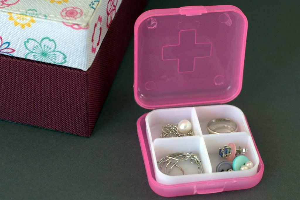 nowe zastosowania przedmiotów codziennego użytku - pudełko natabletki