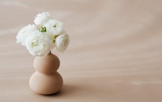 kwiaty w wazonie - ilustracja do artykułu